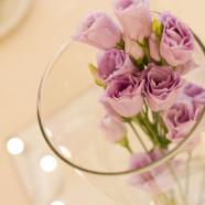 La delicatezza dei petali per un banchetto di nozze regale